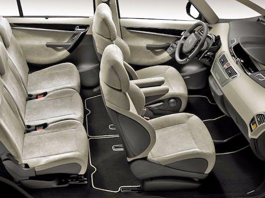Araba Koltuğu Nasıl Temizlenir?