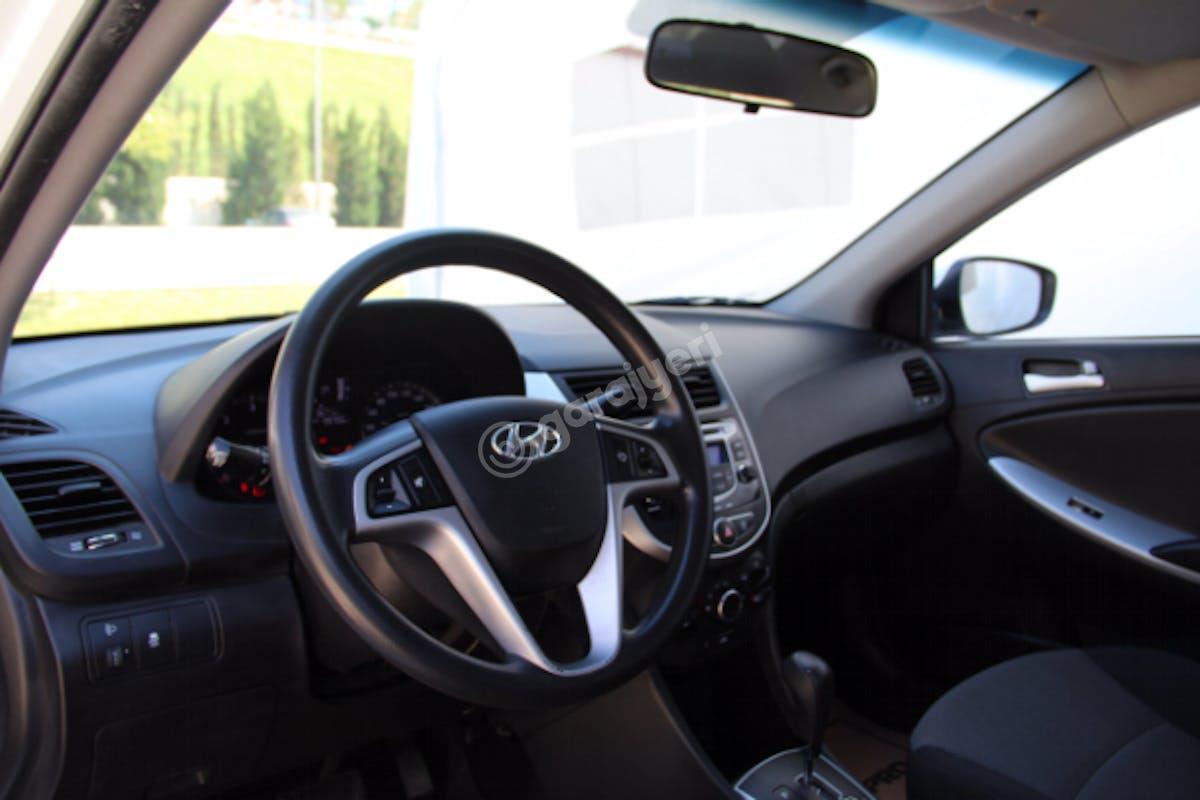 Hyundai Accent Blue Maltepe Kiralık Araç 7. Fotoğraf