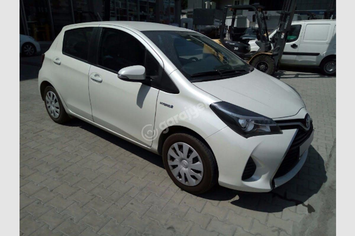Toyota Yaris Başakşehir Kiralık Araç 2. Fotoğraf