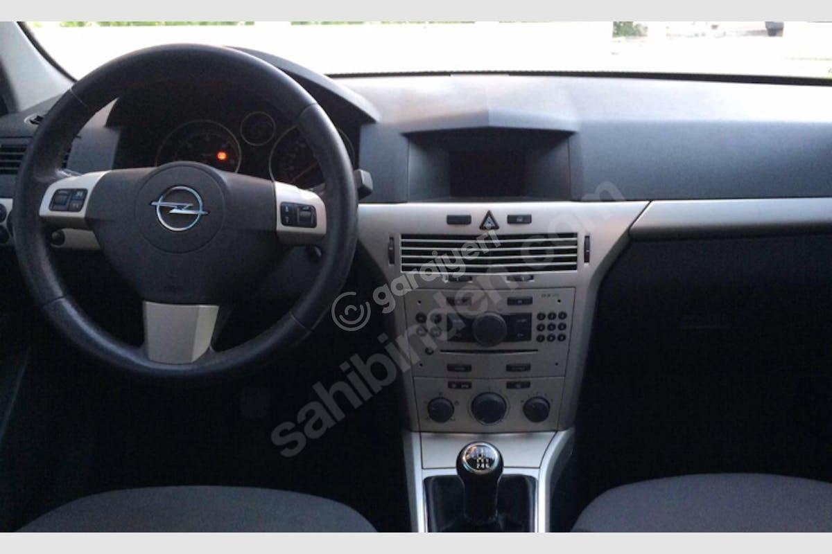 Opel Astra Başiskele Kiralık Araç 4. Fotoğraf