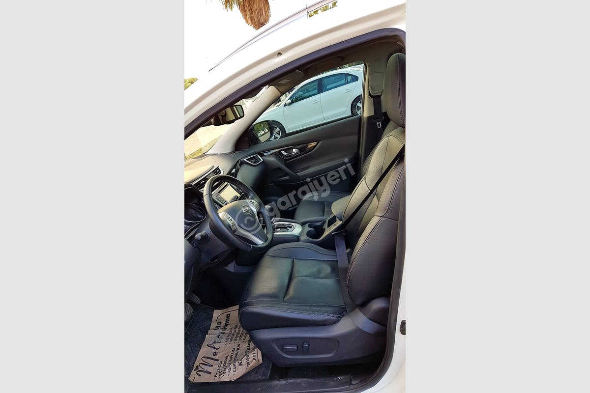 Nissan Qashqai Maltepe Kiralık Araç 4. Fotoğraf