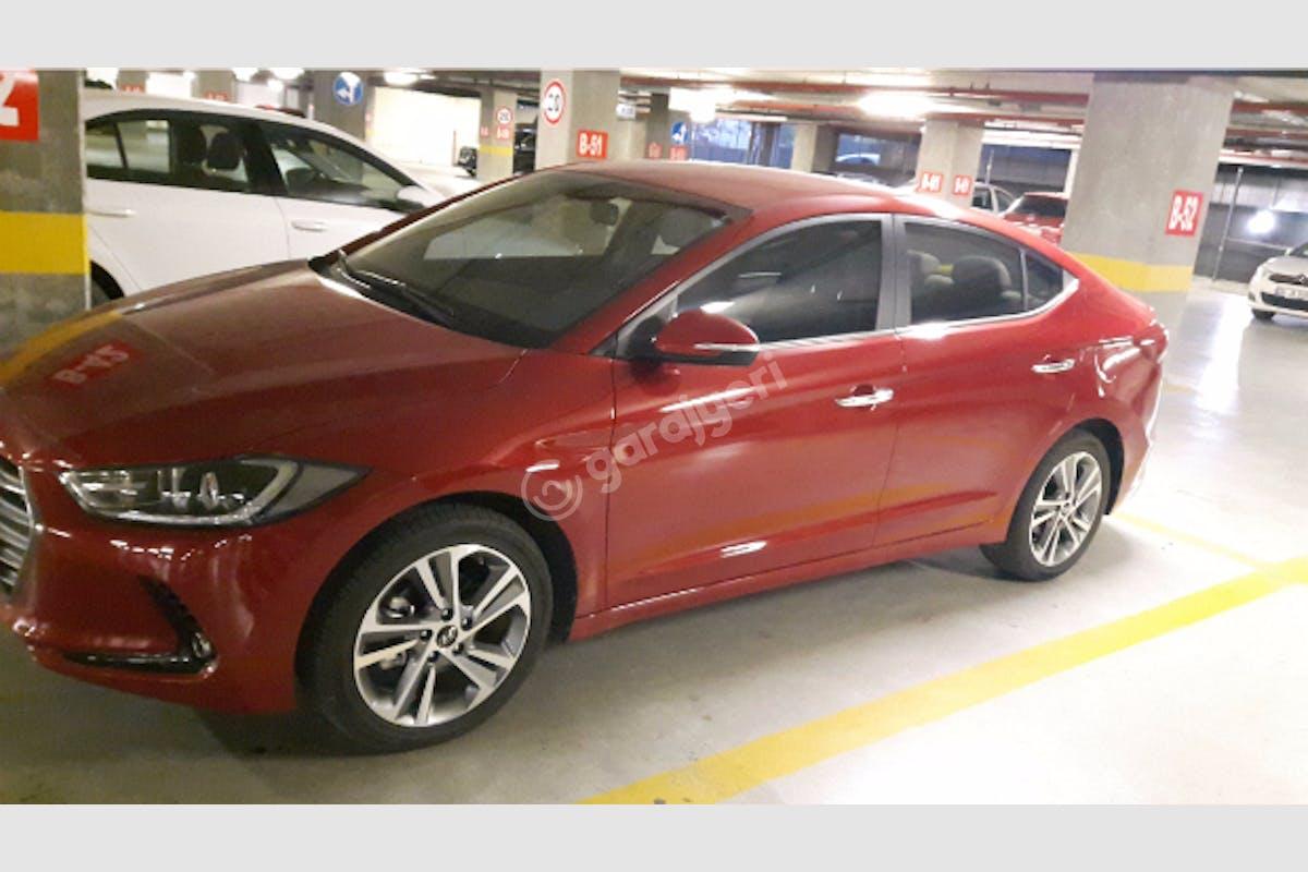Hyundai Elantra Sarıyer Kiralık Araç 1. Fotoğraf