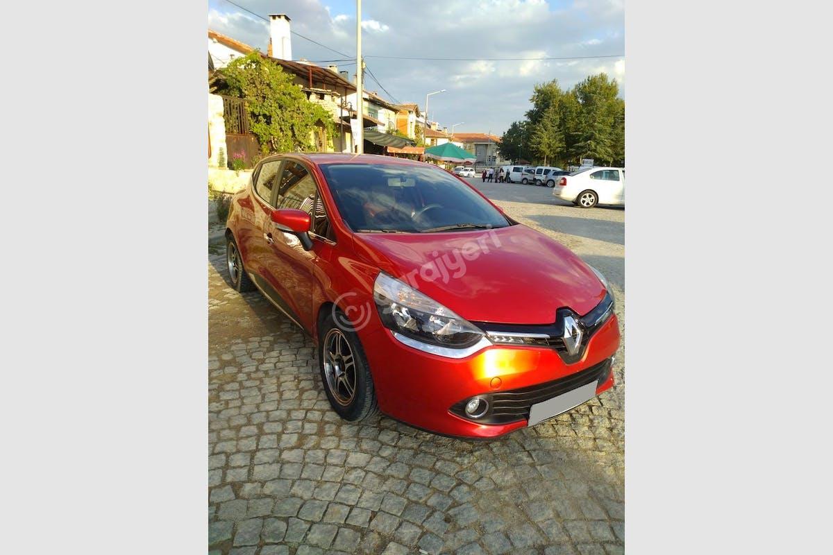 Renault Clio Selçuklu Kiralık Araç 1. Fotoğraf