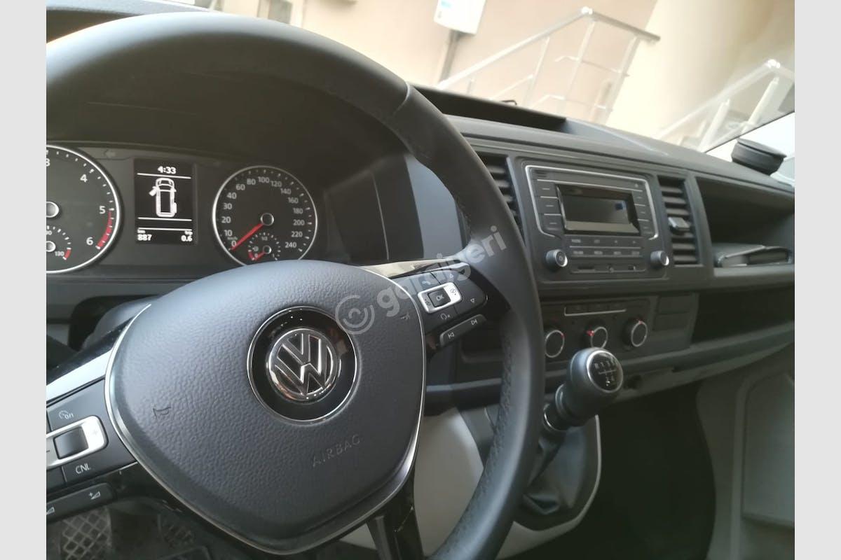 Volkswagen Transporter Maltepe Kiralık Araç 8. Fotoğraf