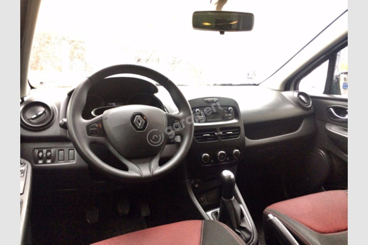Renault Clio Kartal Kiralık Araç 4. Fotoğraf