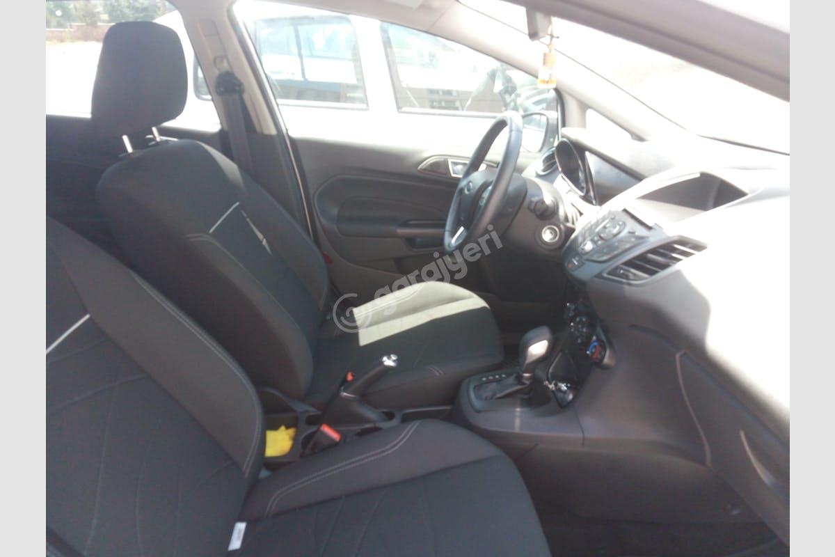 Ford Fiesta Onikişubat Kiralık Araç 4. Fotoğraf