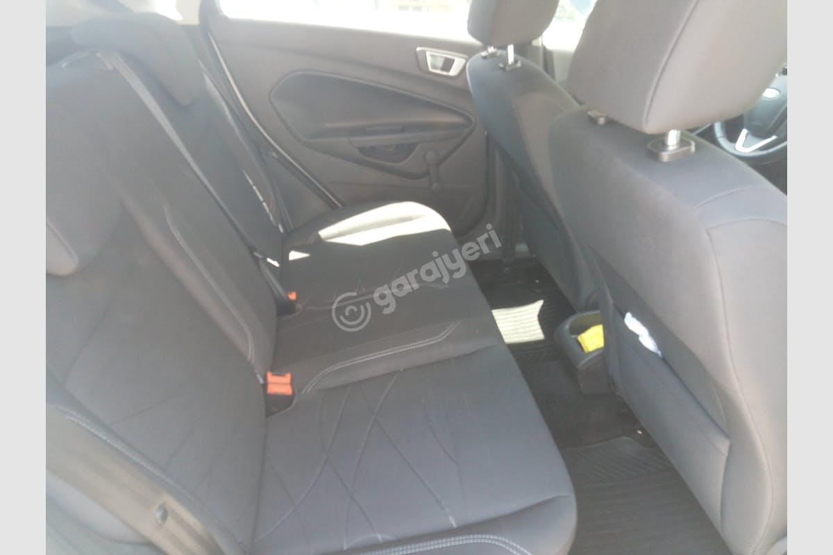 Ford Fiesta Onikişubat Kiralık Araç 5. Fotoğraf