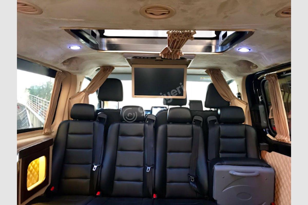 Ford Tourneo Custom Ümraniye Kiralık Araç 4. Fotoğraf