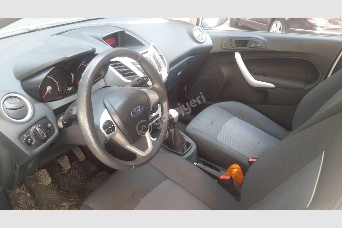 Ford Fiesta Bahçelievler Kiralık Araç 8. Fotoğraf