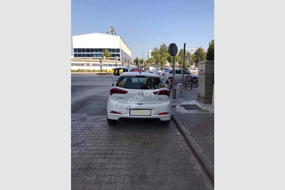 Hyundai i20 Karşıyaka Kiralık Araç 2. Fotoğraf