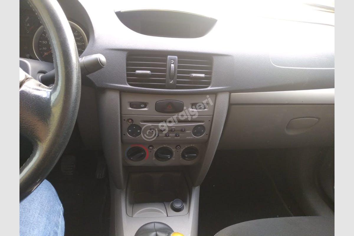Renault Symbol Çaldıran Kiralık Araç 3. Fotoğraf