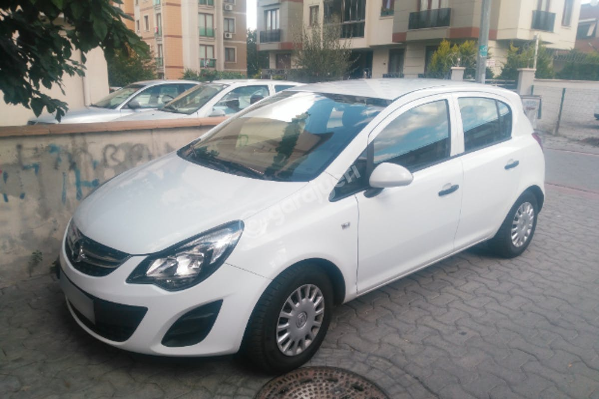Opel Corsa Kadıköy Kiralık Araç 2. Fotoğraf