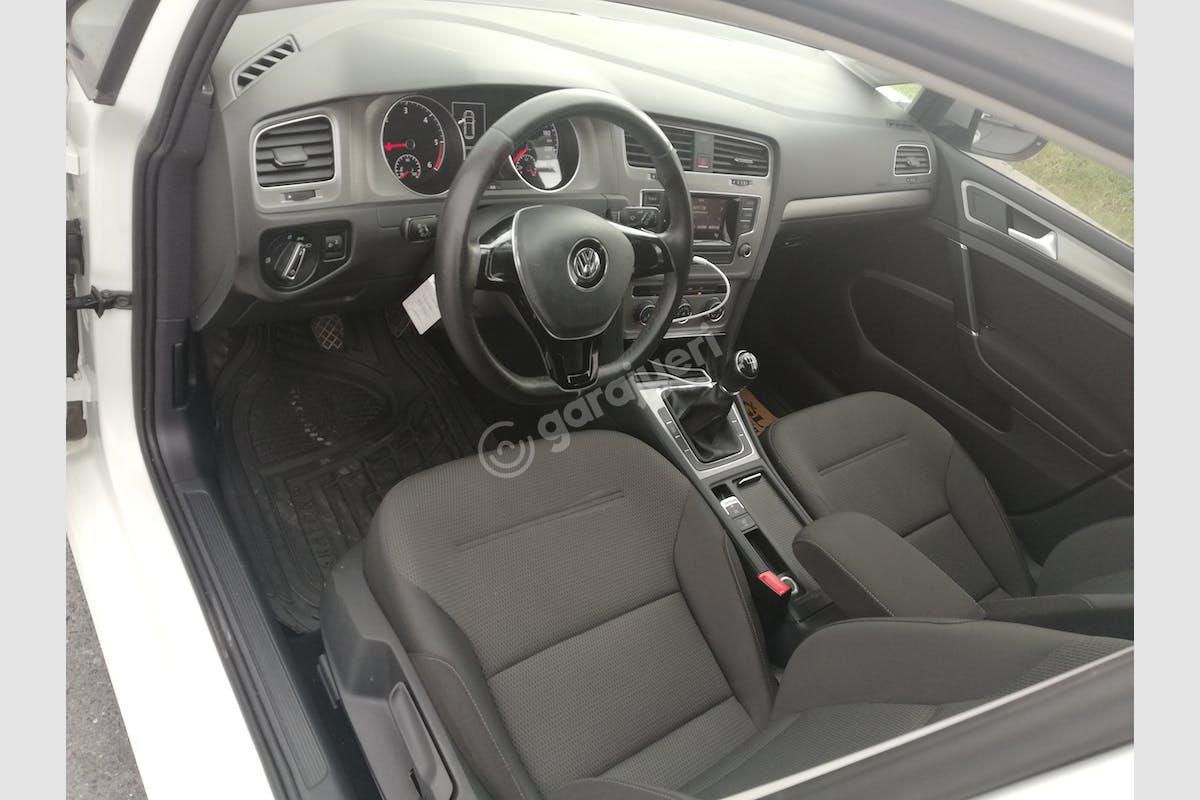 Volkswagen Golf Esenyurt Kiralık Araç 4. Fotoğraf
