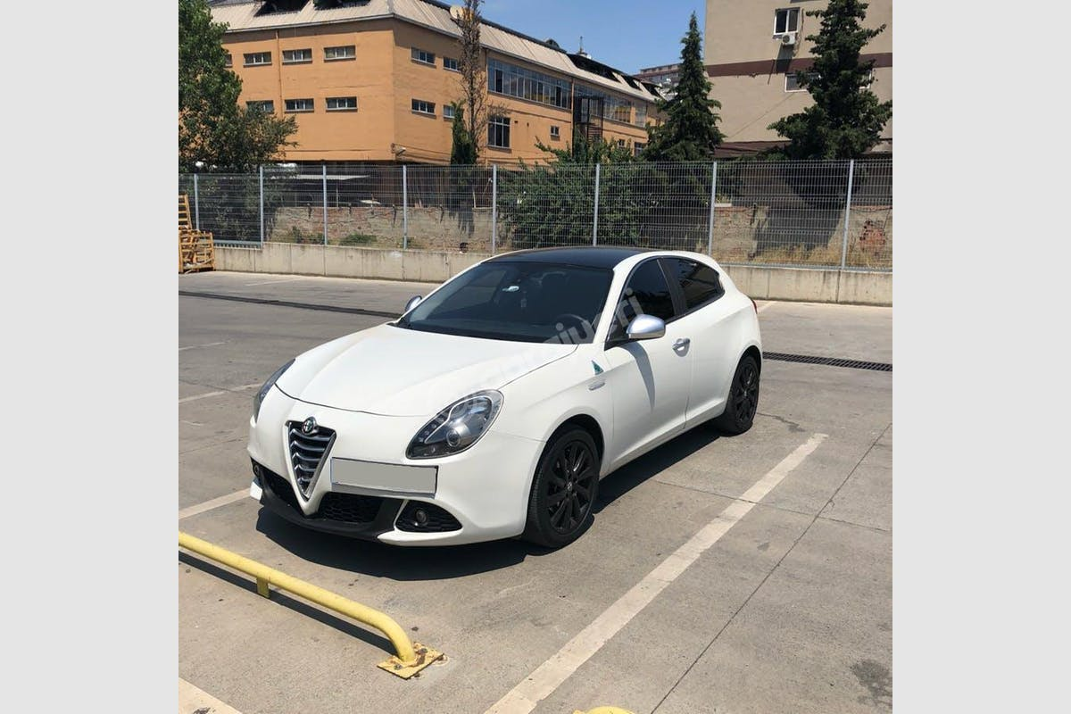 Alfa Romeo Giulietta Kağıthane Kiralık Araç 2. Fotoğraf