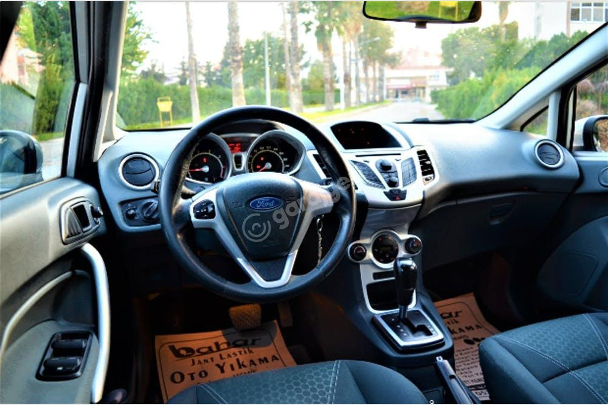 Ford Fiesta Mut Kiralık Araç 2. Fotoğraf