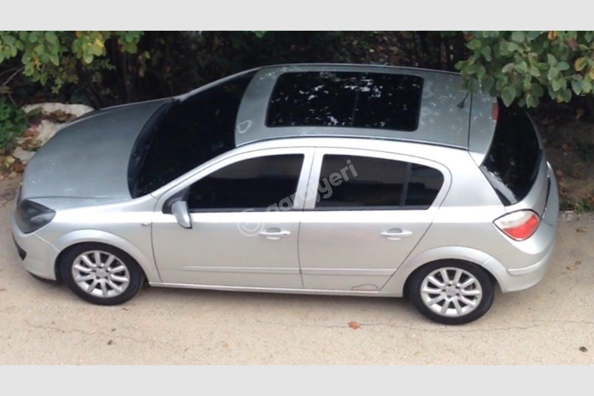 Opel Astra Başiskele Kiralık Araç 1. Fotoğraf