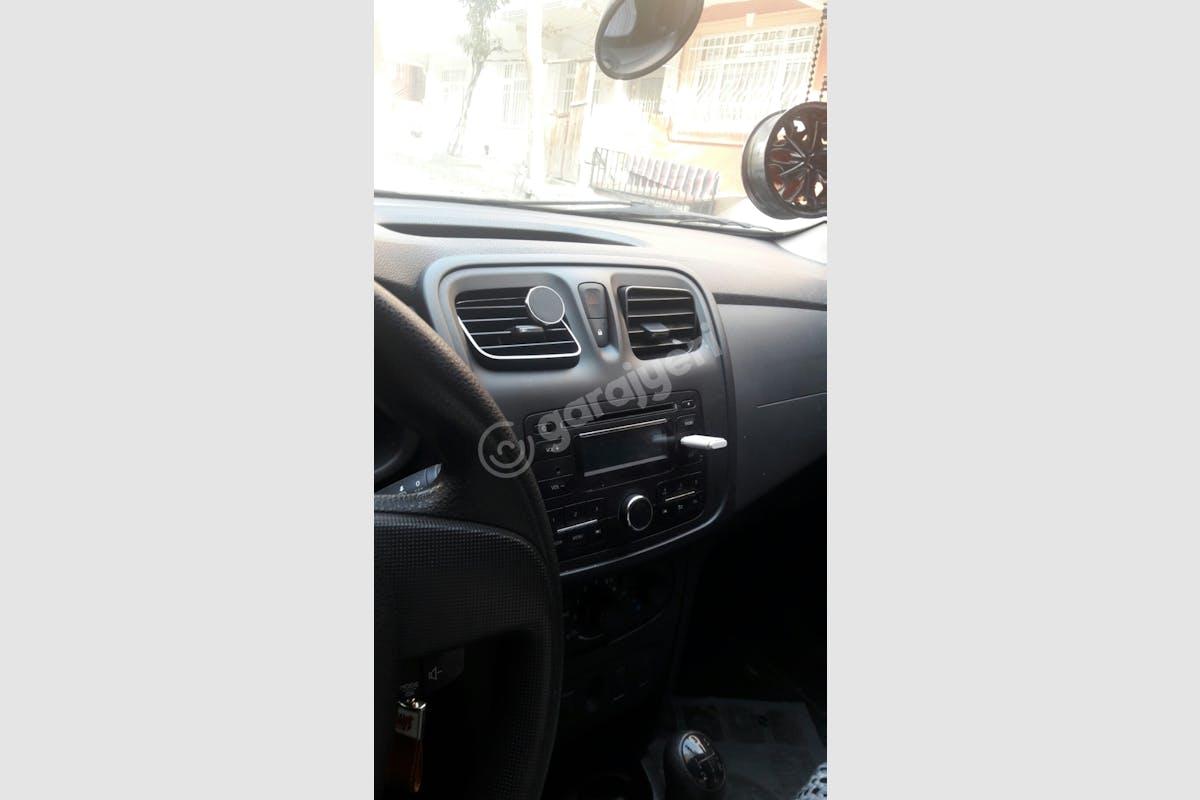 Renault Clio Küçükçekmece Kiralık Araç 5. Fotoğraf