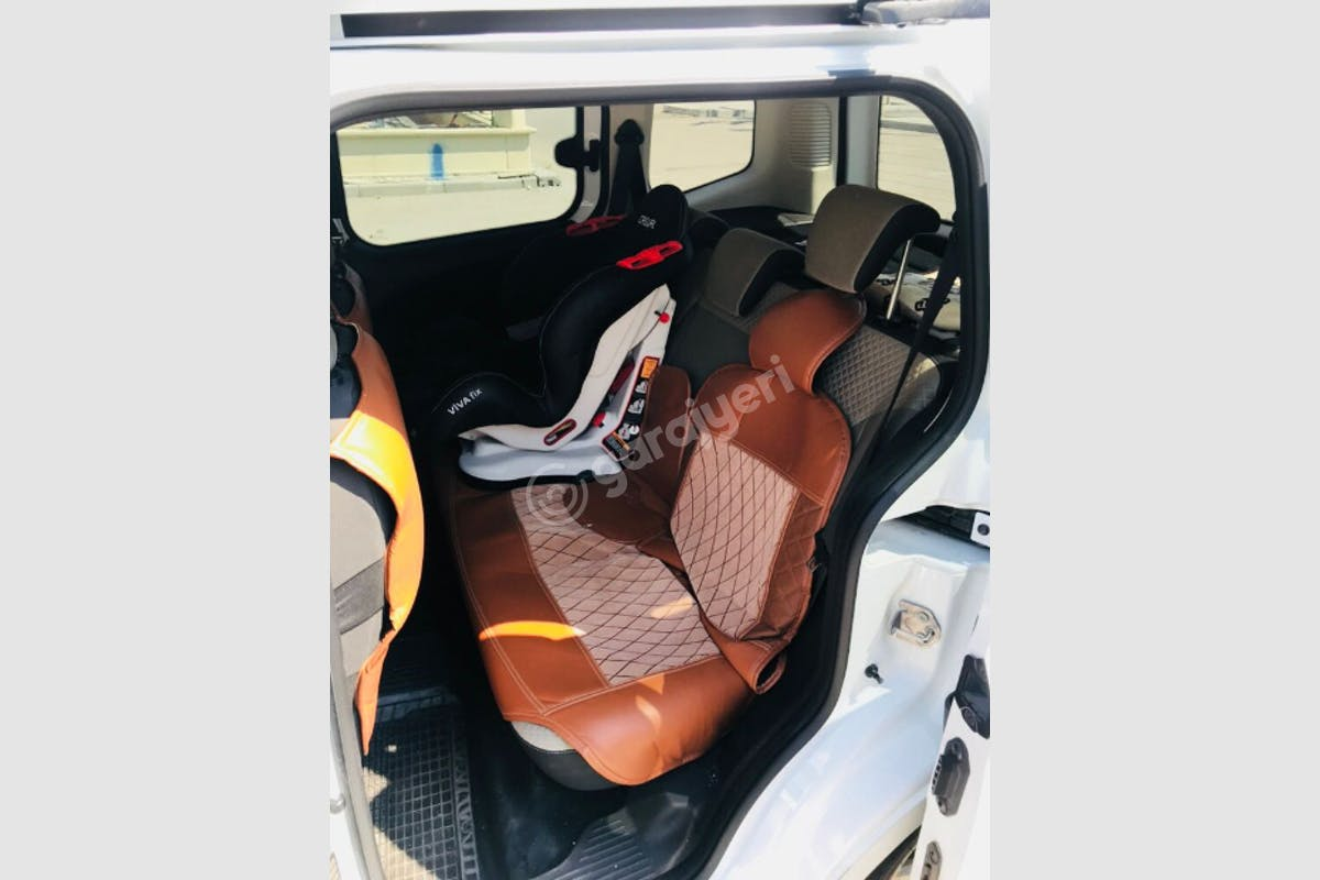 Ford Courier Yunusemre Kiralık Araç 3. Fotoğraf