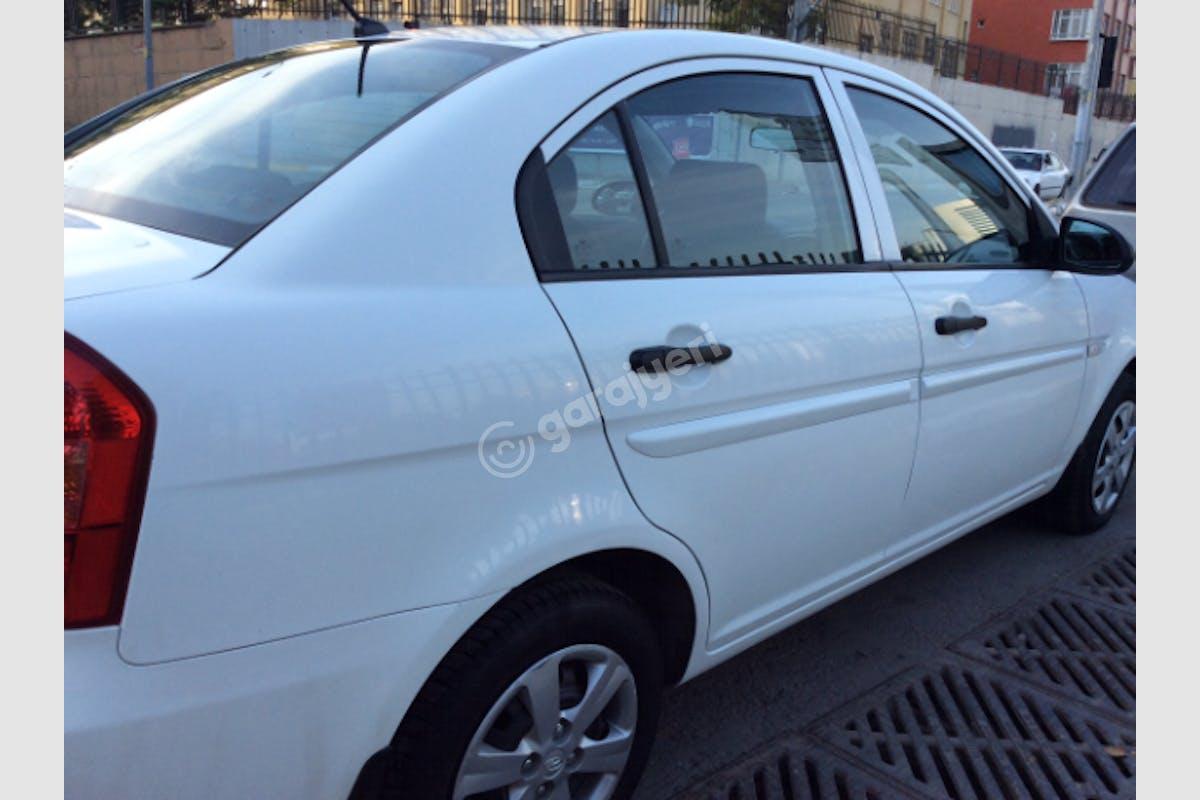 Hyundai Accent Era Ümraniye Kiralık Araç 5. Fotoğraf