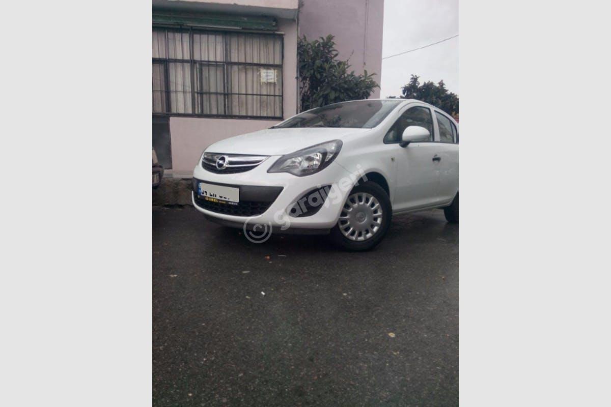 Opel Corsa Bayraklı Kiralık Araç 1. Fotoğraf