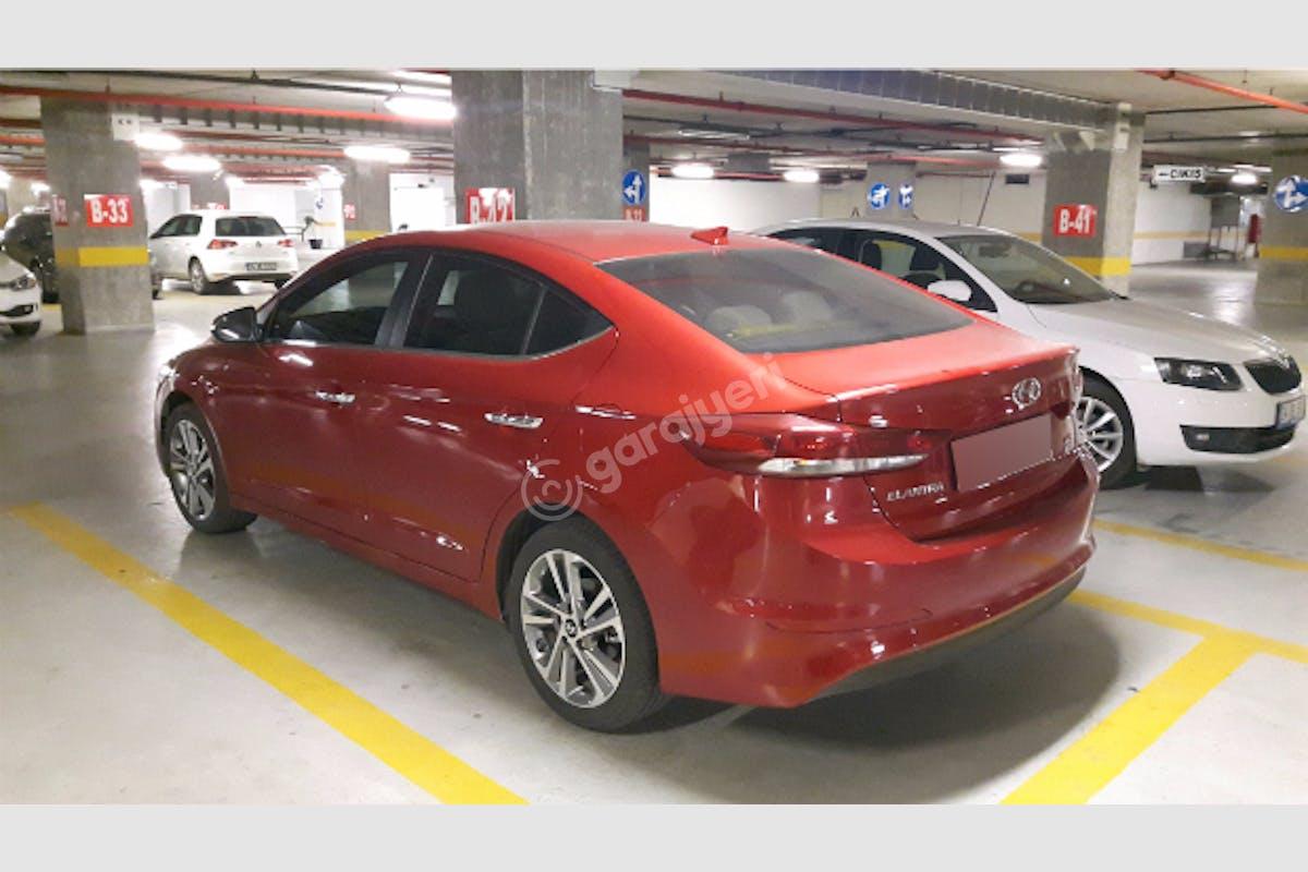 Hyundai Elantra Sarıyer Kiralık Araç 2. Fotoğraf