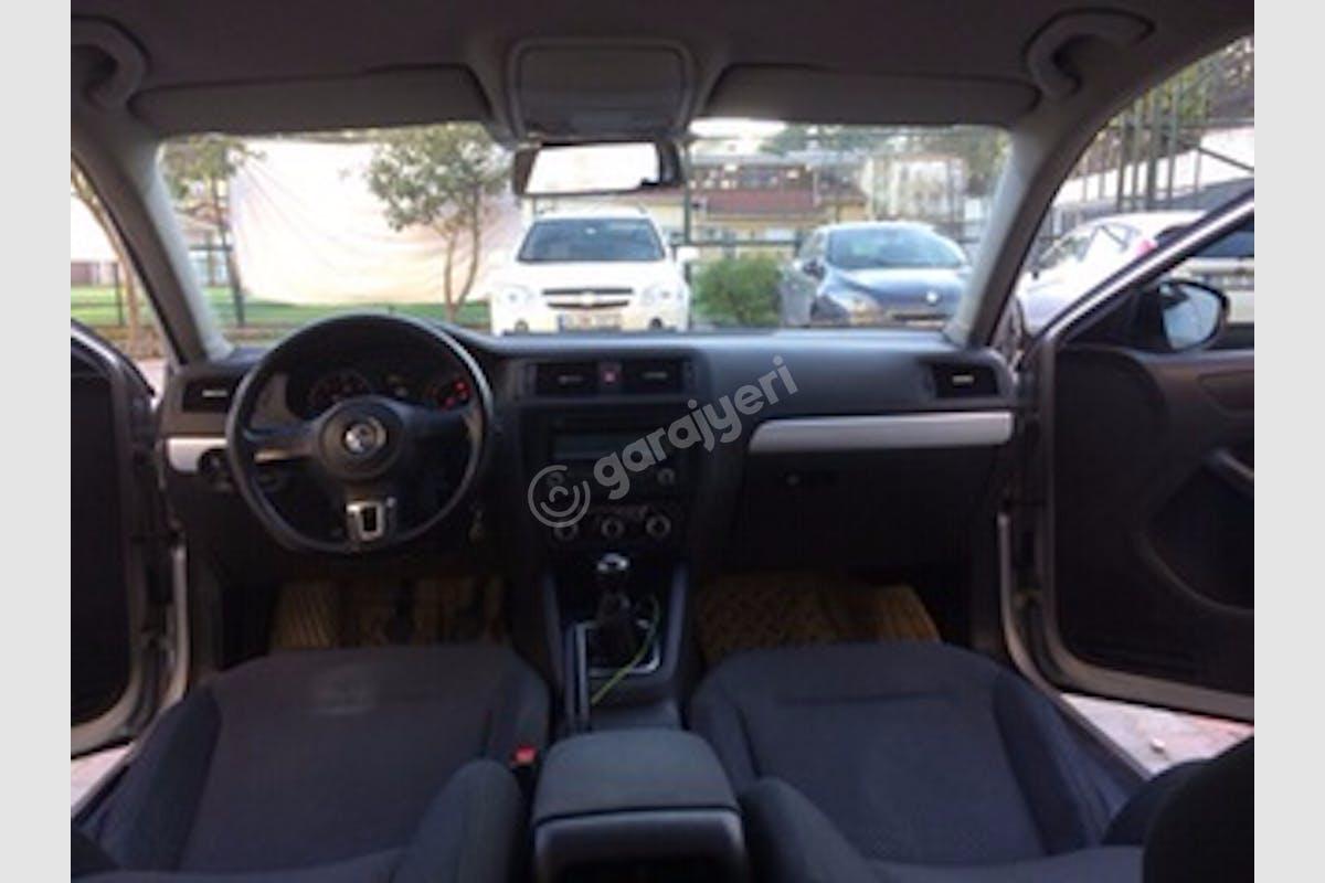 Volkswagen Jetta Üsküdar Kiralık Araç 6. Fotoğraf