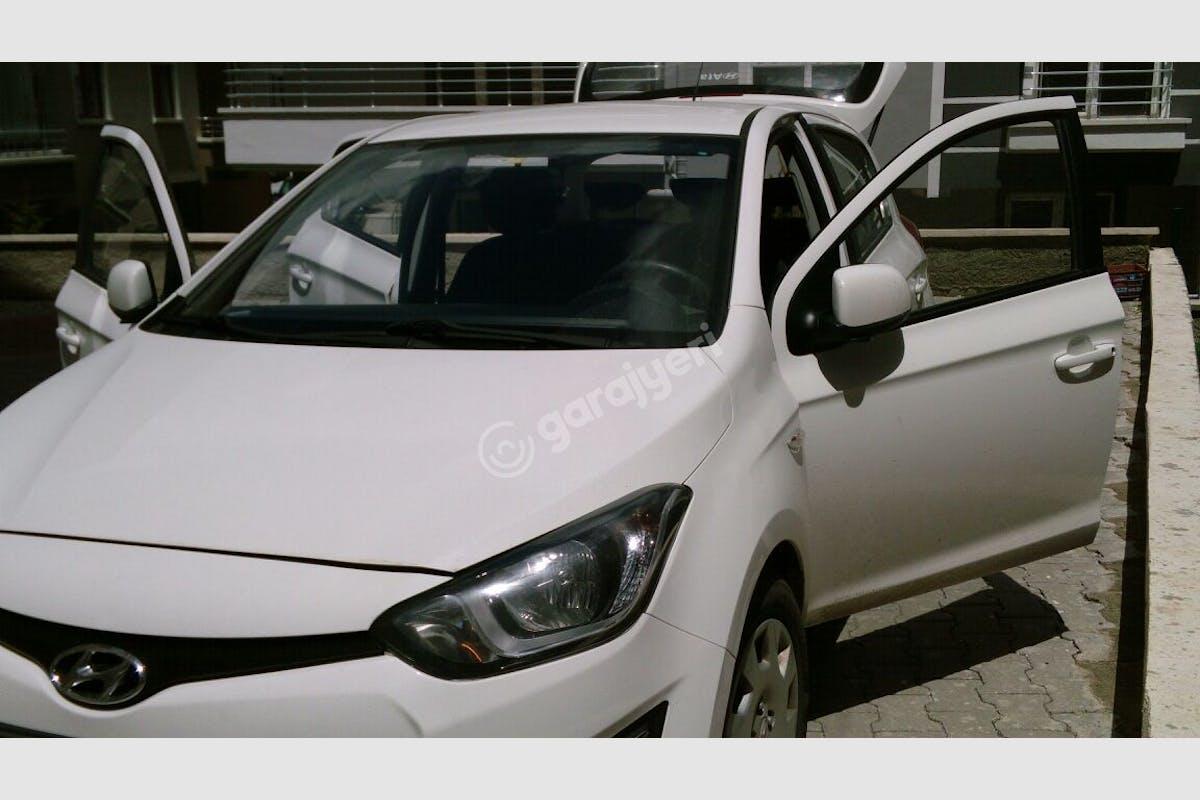 Hyundai i20 Çankaya Kiralık Araç 6. Fotoğraf