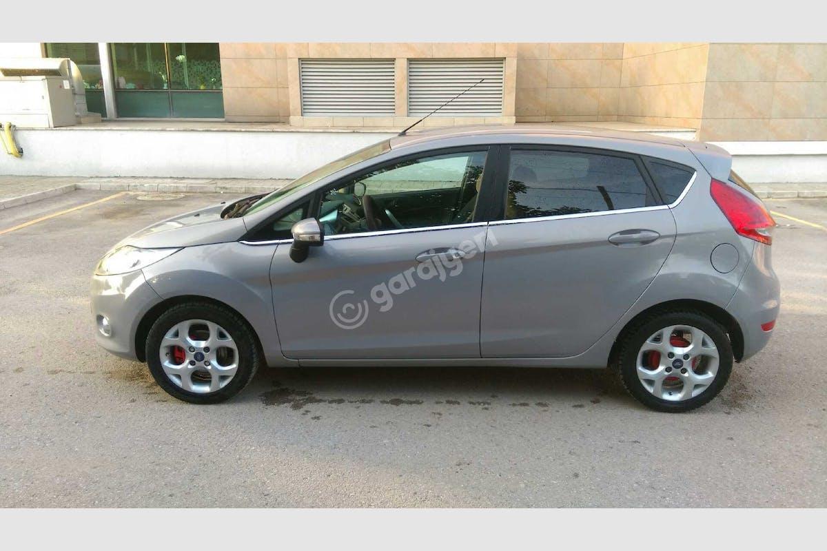 Ford Fiesta Gölcük Kiralık Araç 5. Fotoğraf