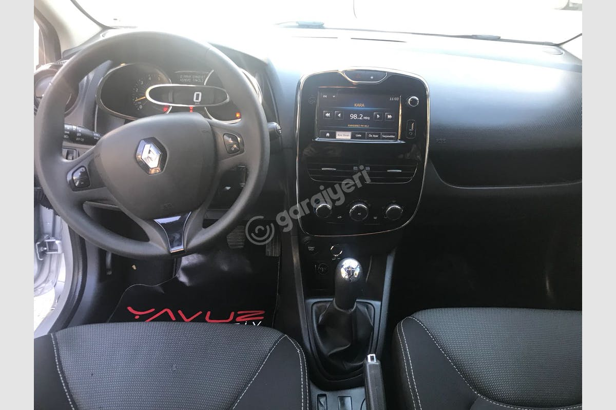 Renault Clio Kartal Kiralık Araç 5. Fotoğraf