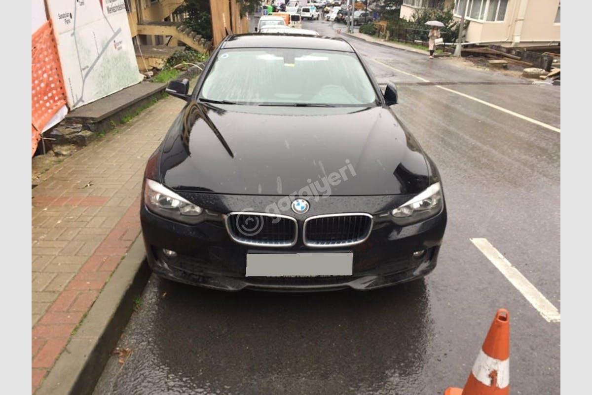 BMW 3 Beşiktaş Kiralık Araç 2. Fotoğraf