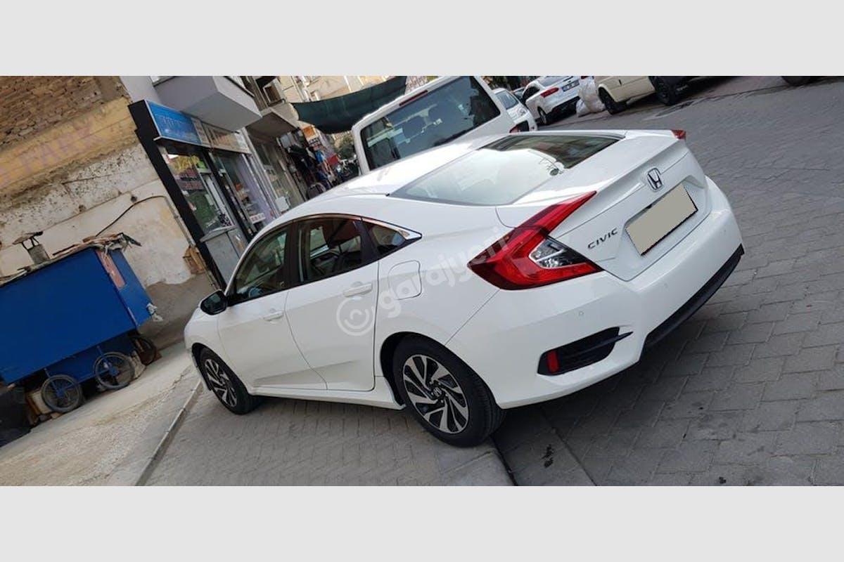 Honda Civic Tavas Kiralık Araç 1. Fotoğraf