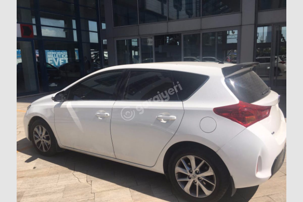 Toyota Auris Kadıköy Kiralık Araç 1. Fotoğraf
