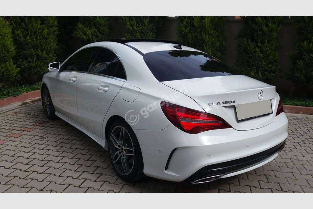 Mercedes - Benz CLA Buca Kiralık Araç 10. Fotoğraf