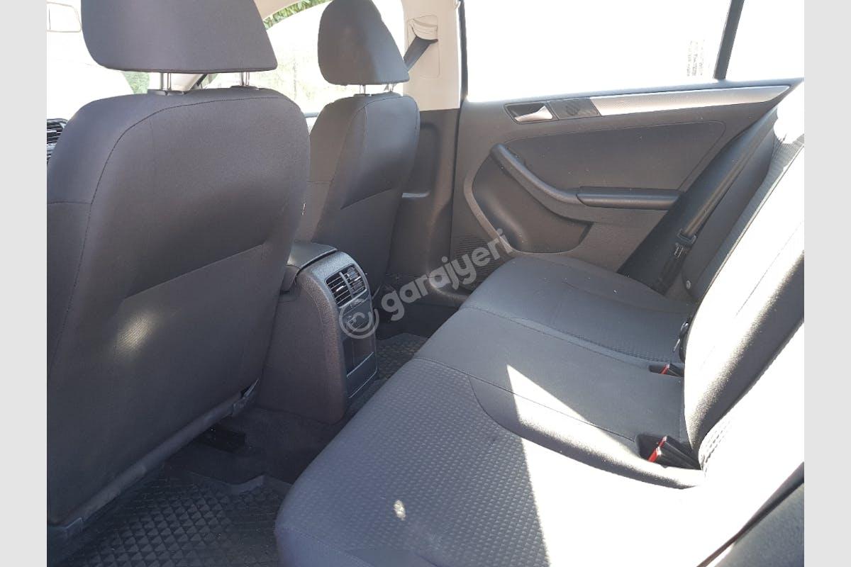 Volkswagen Jetta Sarıyer Kiralık Araç 8. Fotoğraf