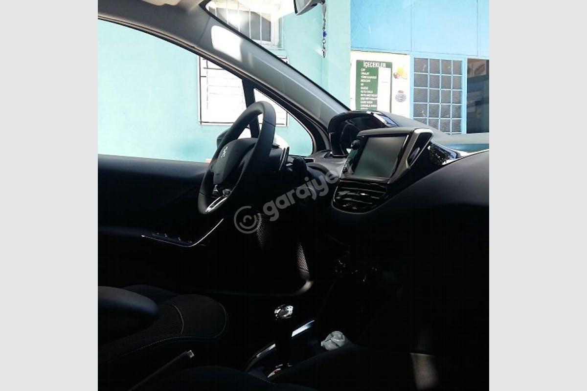 Peugeot 208 Fatih Kiralık Araç 3. Fotoğraf