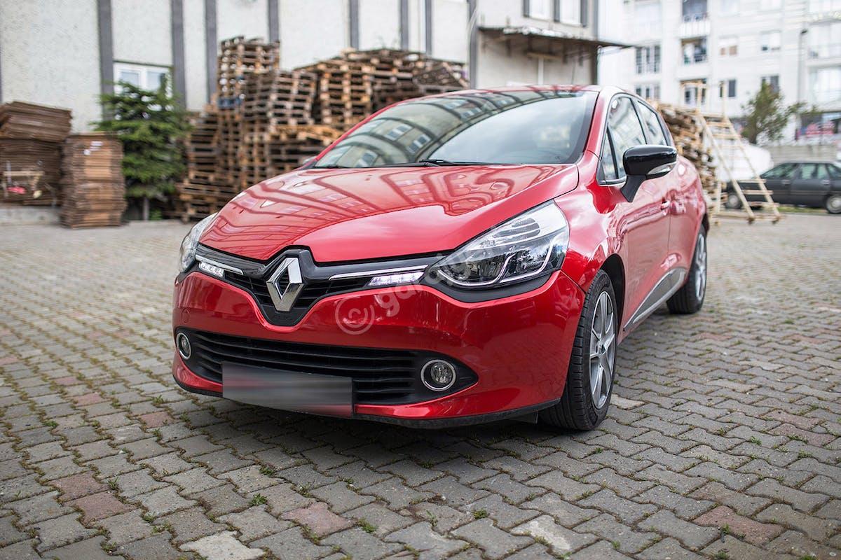 Renault Clio Esenyurt Kiralık Araç 1. Fotoğraf