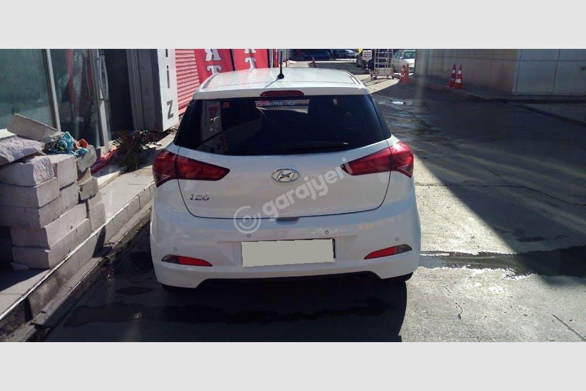 Hyundai i20 Esenyurt Kiralık Araç 4. Fotoğraf