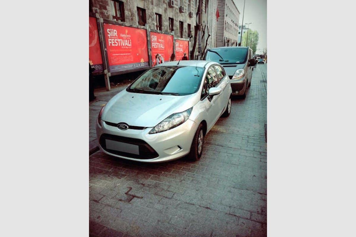 Ford Fiesta Fatih Kiralık Araç 3. Fotoğraf