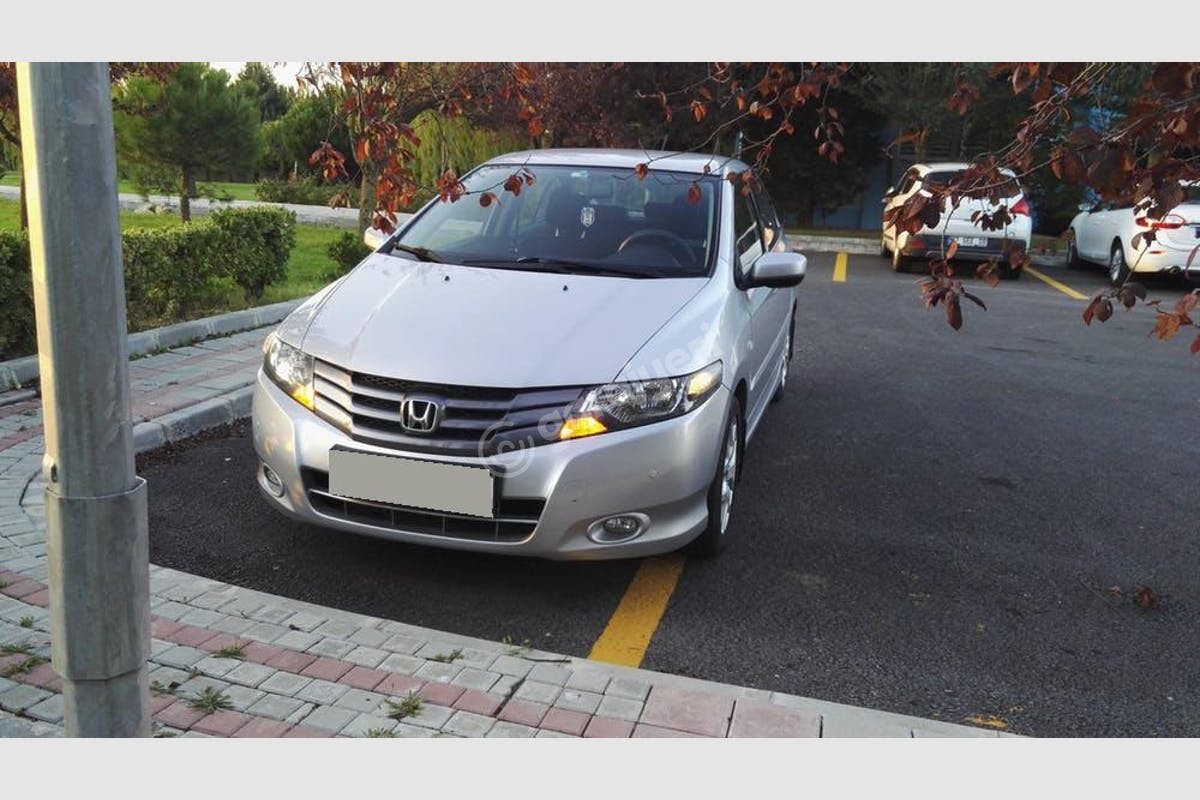Honda City Esenyurt Kiralık Araç 2. Fotoğraf