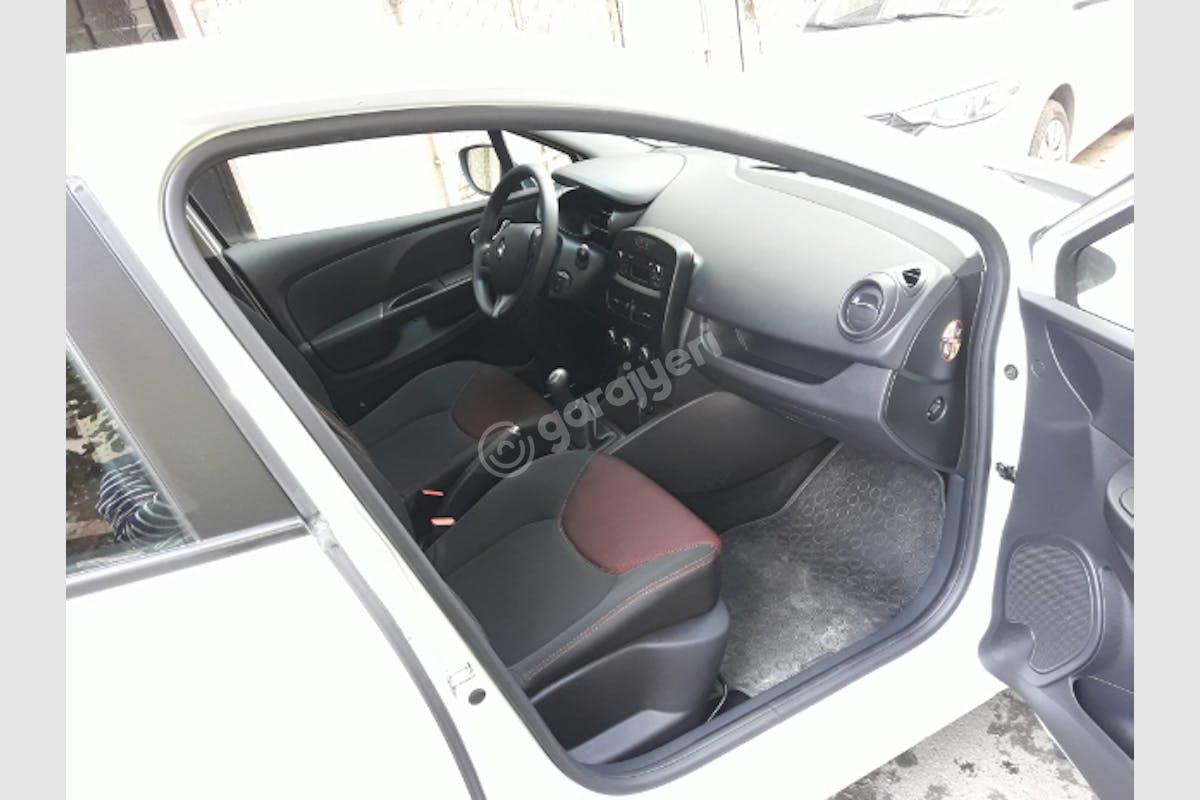 Renault Clio Ümraniye Kiralık Araç 6. Fotoğraf