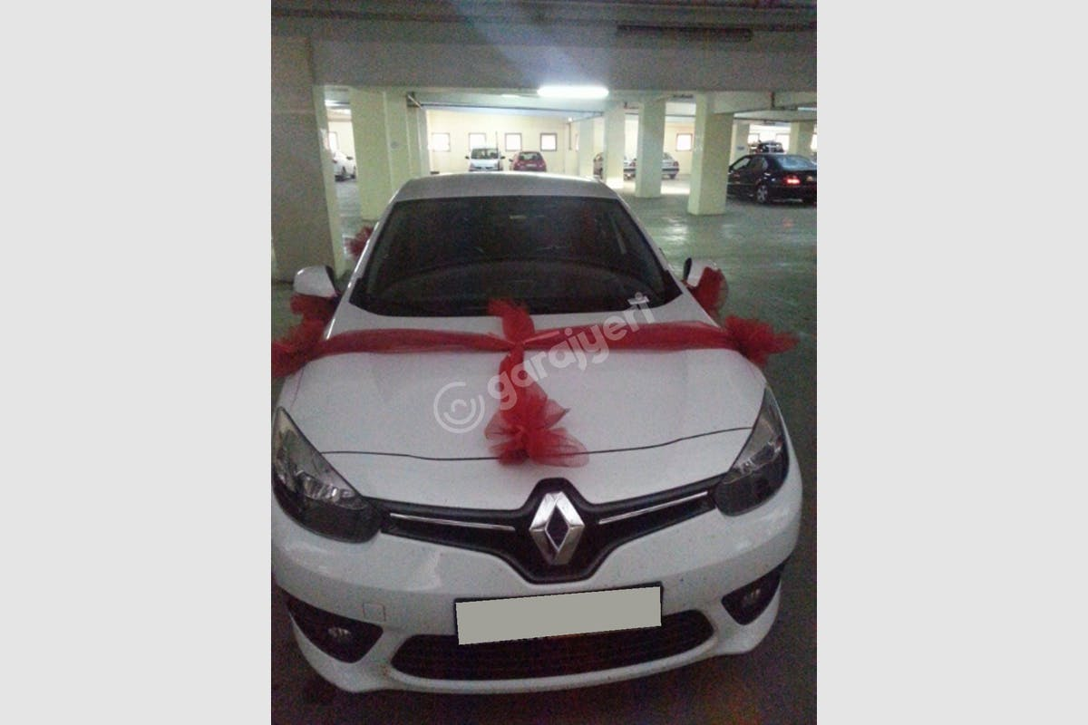Renault Fluence Konak Kiralık Araç 1. Fotoğraf