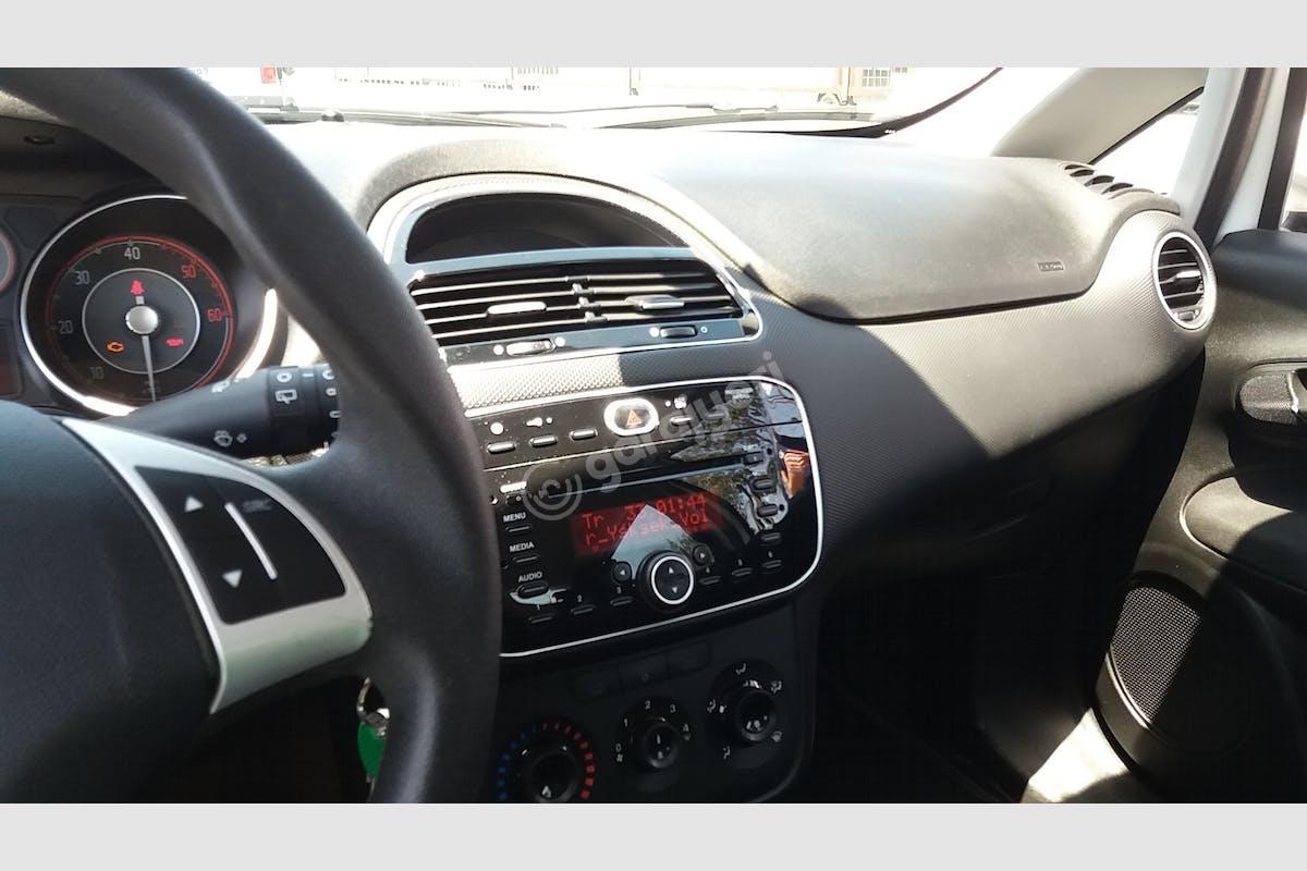 Fiat Punto Küçükçekmece Kiralık Araç 6. Fotoğraf