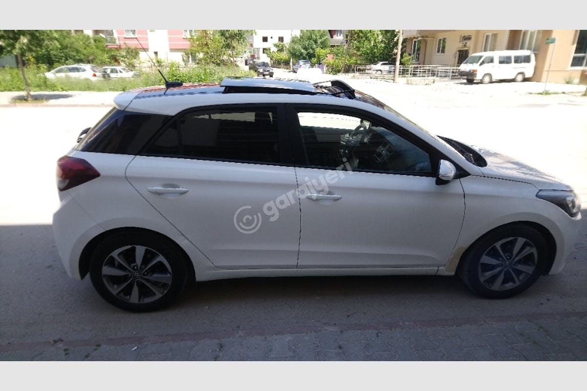 Hyundai i20 Bodrum Kiralık Araç 1. Fotoğraf
