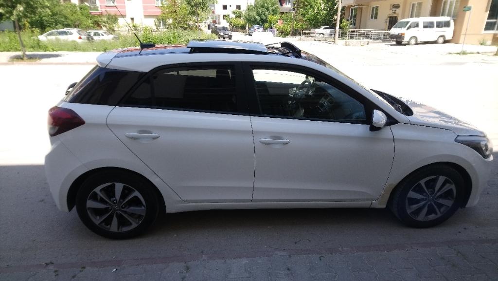 HYUNDAI i20 2014 Model Benzin Manuel Vites Kiralik Araç - 0DCD