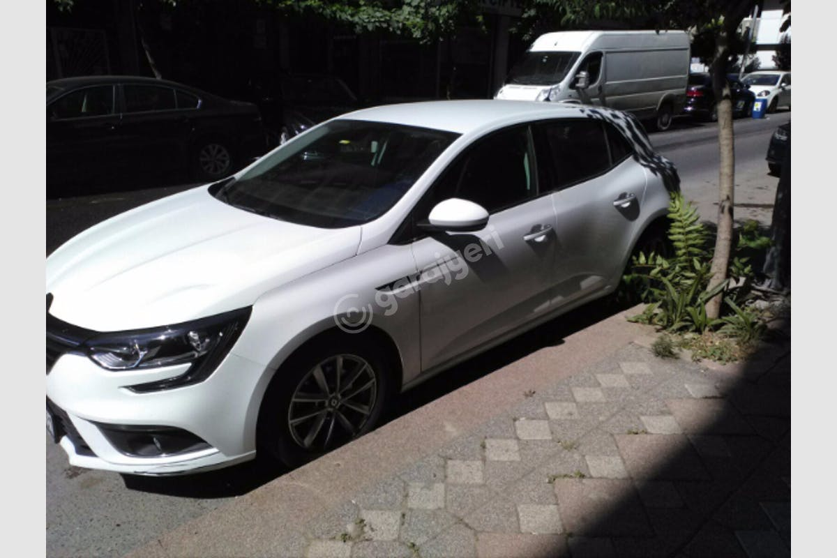Renault Megane Zeytinburnu Kiralık Araç 1. Fotoğraf