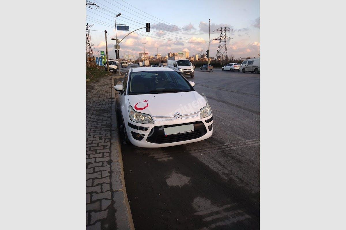 Citroën C4 Esenler Kiralık Araç 2. Fotoğraf