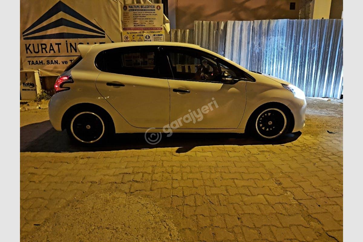 Peugeot 208 Maltepe Kiralık Araç 4. Fotoğraf