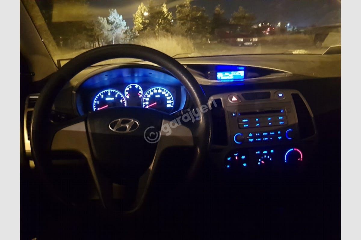 Hyundai i20 Atatürk Havaalanı Kiralık Araç 4. Fotoğraf