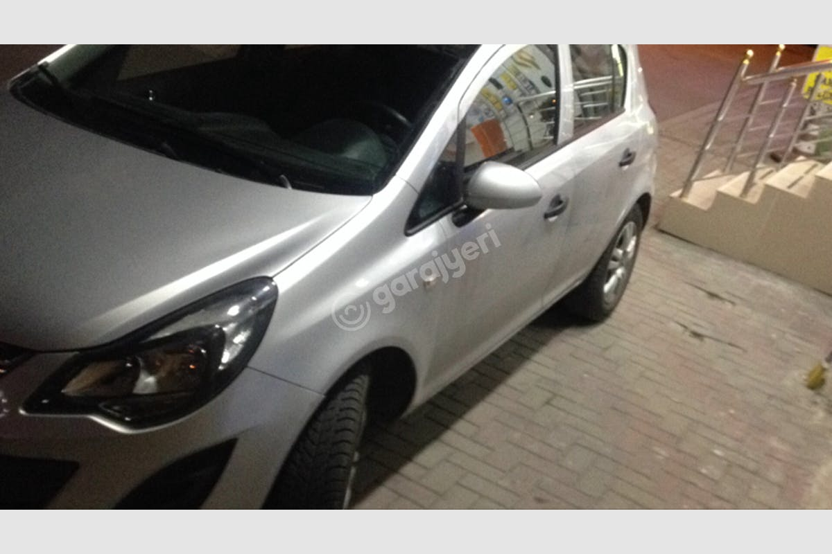 Opel Corsa Bayrampaşa Kiralık Araç 3. Fotoğraf