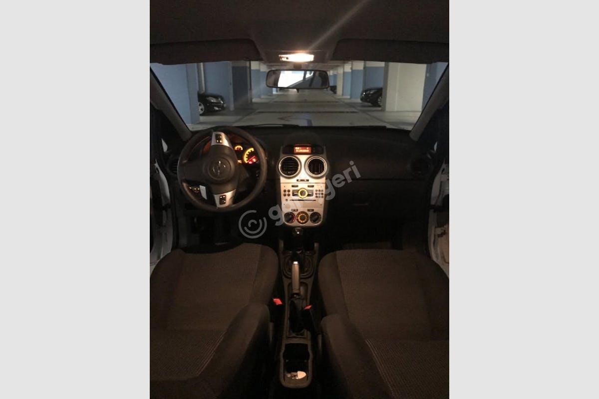 Opel Corsa Beşiktaş Kiralık Araç 3. Fotoğraf